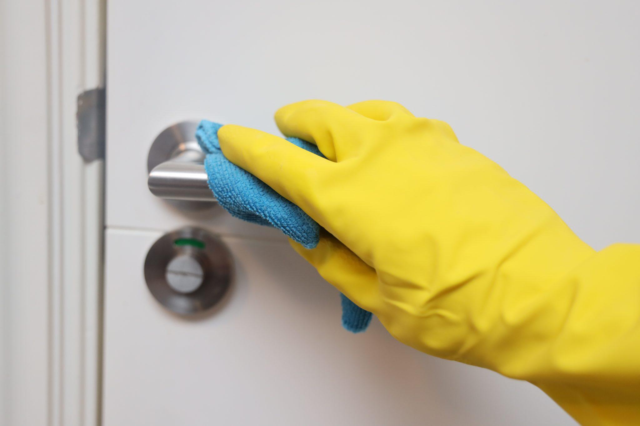 deurklink schoonmaken