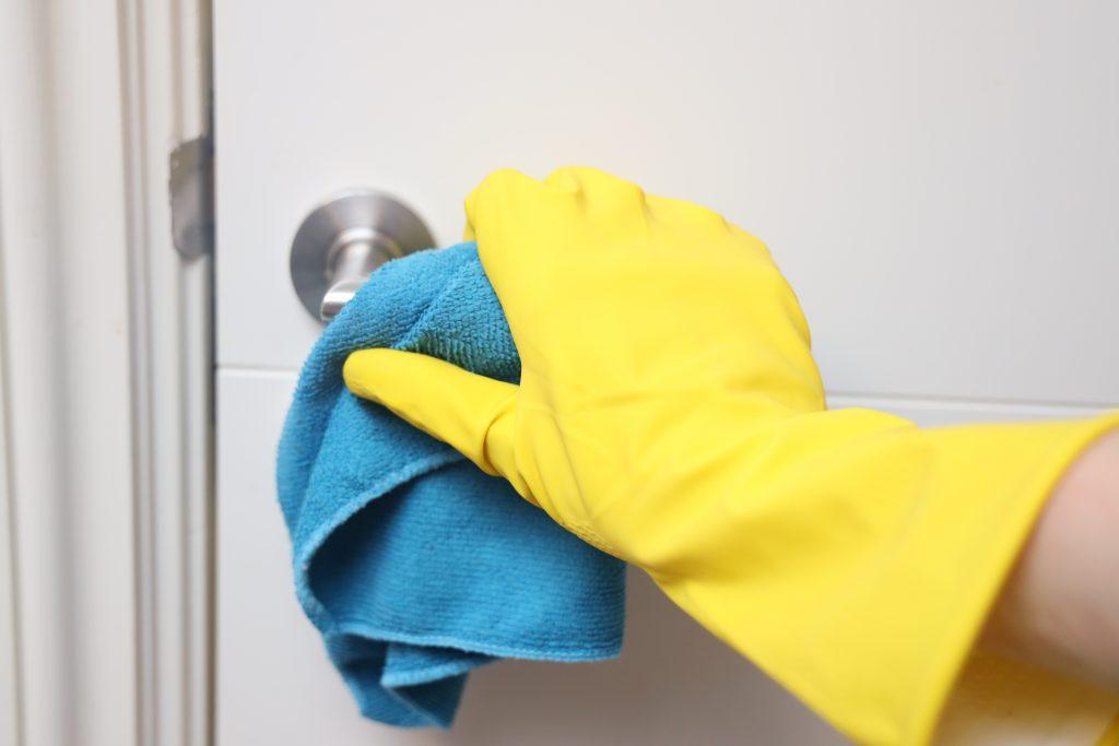 deurklinken schoonmaken