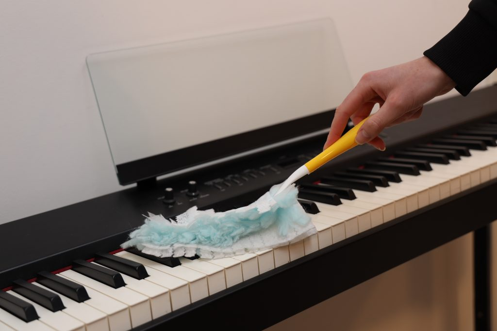 piano swiffer duster