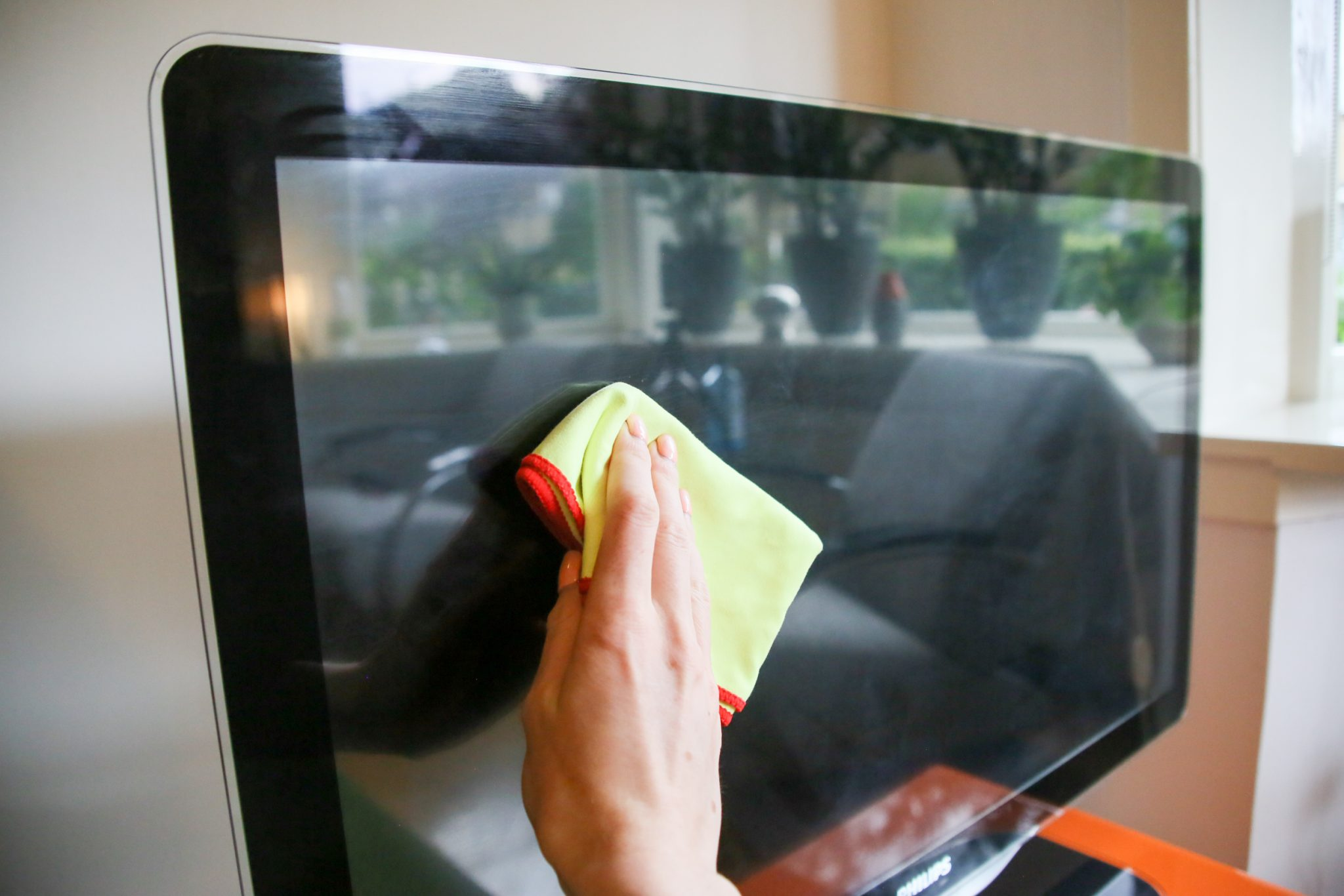 tv scherm schoonmaken