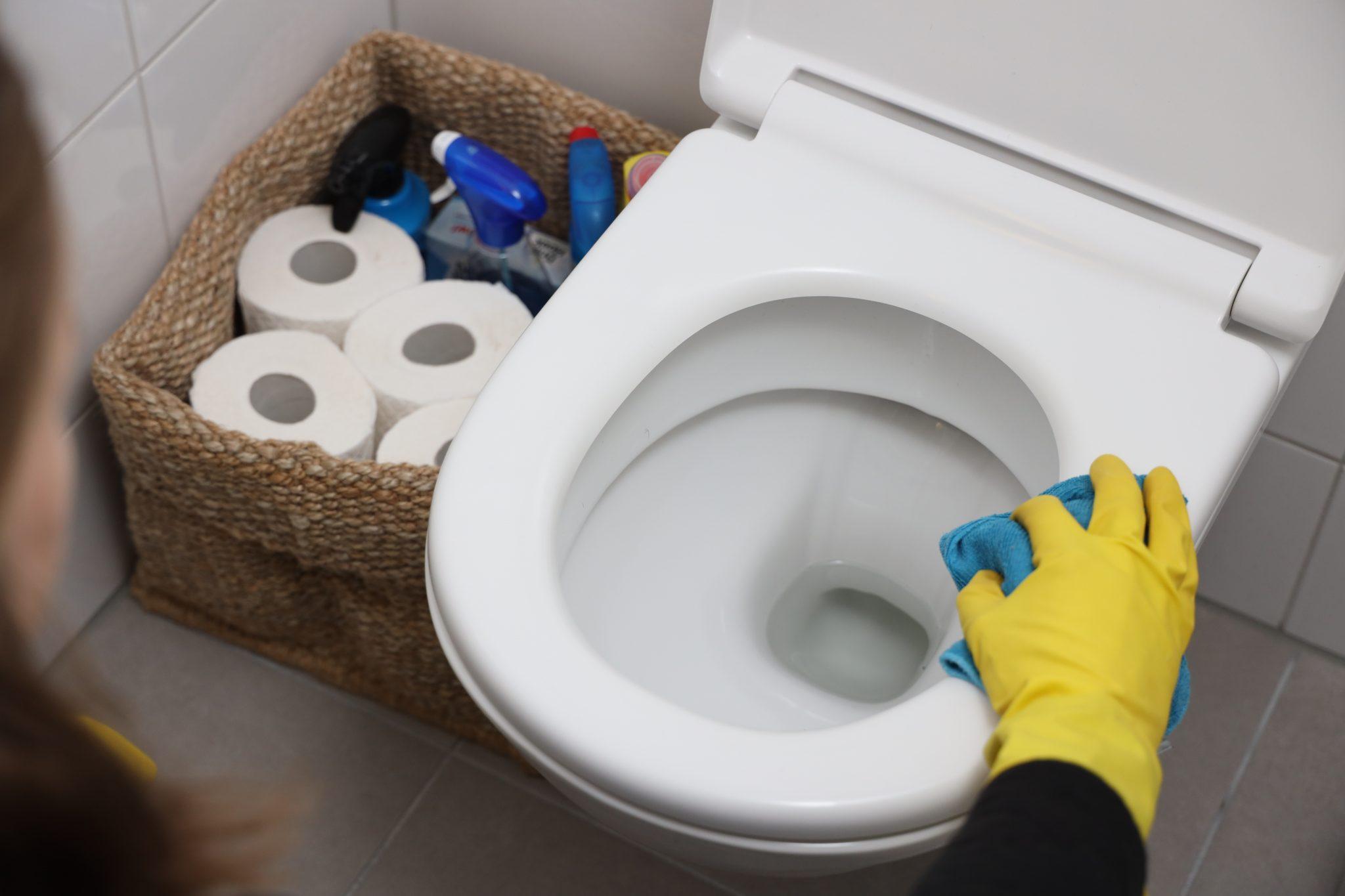 Toiletbril schoonmaken