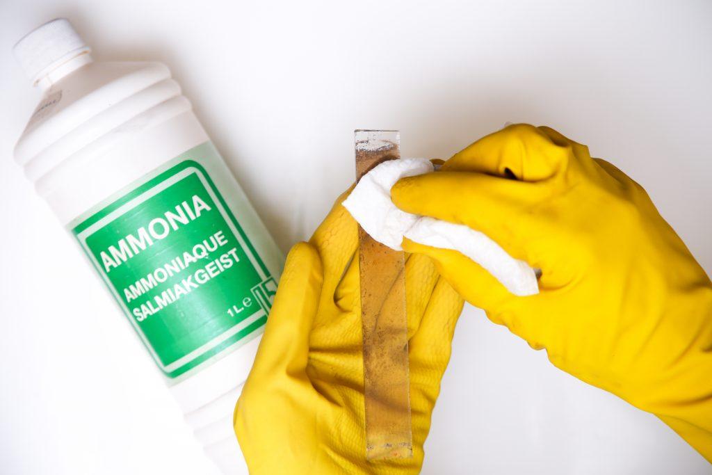 kachelruit schoonmaken met ammonia
