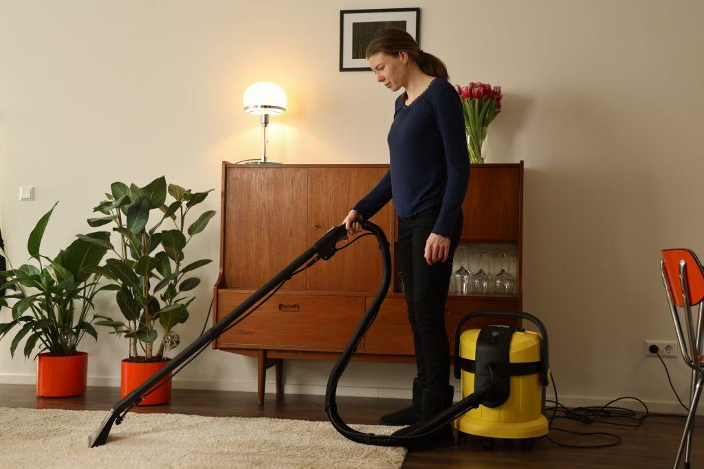 rechtop staand tapijt reinigen